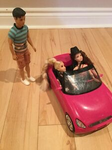 Barbie pink car + 3 Barbies/ Voiture pour Barbie + 3 Barbies