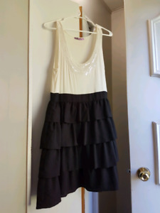 Party/ formal dresses.