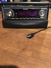Kenwood CD player with USB port