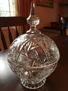 "Pinwheel Design Avitra 24% Cut Lead Crystal Covered Bowl 10"" hig"