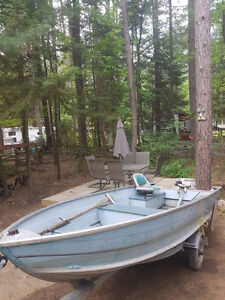 Great fishing boat, 14ft, aluminum with trailer
