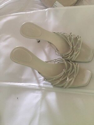 Authentic ladies Gucci strappy sandals