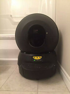 Litter Robot! Almost brand new with 1.5 year warranty left!