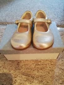 Clarks golden baby/kids shoes size 6 clothes/sandals/trainers/pumps
