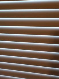 Wide slat white blinds alliminuim