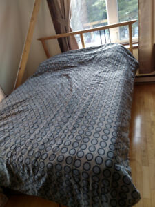 Double bed frame, mattress and boxspring
