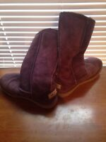 Authentic Uggs size 3 girls / 5 woman's