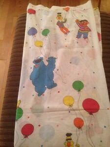 muppets sesame street bed sheet Gatineau Ottawa / Gatineau Area image 1