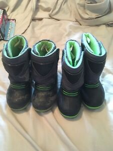 Boys boots size 10(ppu)