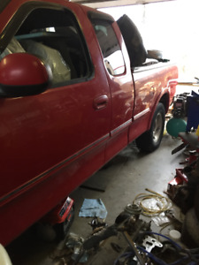1998 Ford F150 for parts