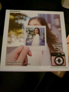 Fujimax Instax Square 6 Camera