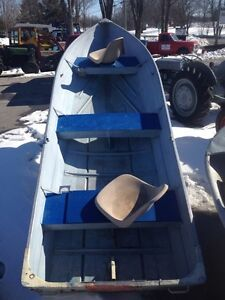 Smoker-Craft 14' Runabout Fishing Boat $999.