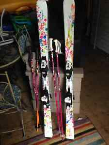 Girls skis and bindings
