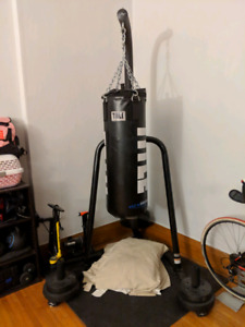 Water TITLE Heavy bag / punching bag + stand boxing
