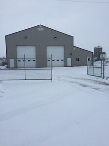 Shop bay and yard for lease