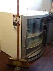 Refrigerator  for sale,but needs new motor...