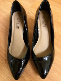 Size 6 wide fit black patent leather by Flore