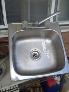 Stainless Steel sink great Condition!!!!