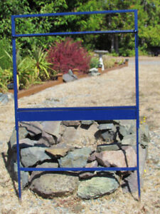 METAL SIGN FRAME WITH TOPPER