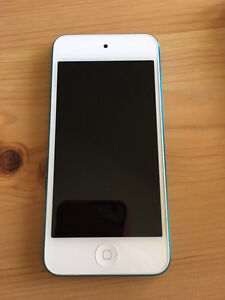 iPod Touch 5g 64 GB - Like New Condition