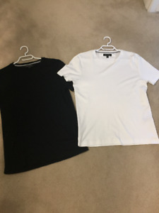 Luxury Touch T-Shirt Crew Small - Banana Republic