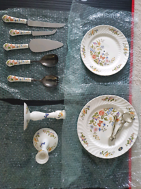 Aynsley collection of 5 individual pieces