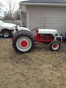 1946 2N Ford Tractor London Ontario image 2