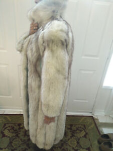 AUTHENTIC 100% FOX FUR FULL LENGTH COAT$350, MUST SELL