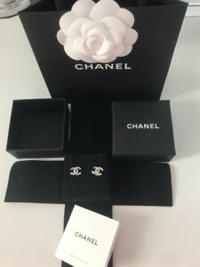 782633ae646f4e Chanel Earrings | Kijiji in Toronto (GTA). - Buy, Sell & Save with ...