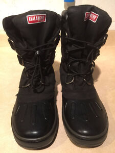 Women's Avalanche by Cougar Winter Boots Size 7 London Ontario image 2