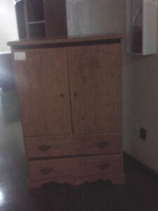Free dresser/armoir
