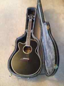 **LEFT HANDED DEAN GUITAR**WITH HARD SHELL CASE**