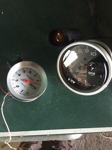 Auto Meter Guages