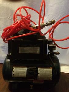 2 gallons brand new  Mastercraft Air compressor