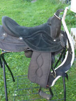 16 IN BIG HORN SYNTHETIC WESTERN SADDLE