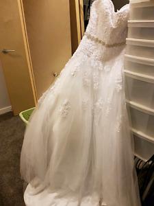 Size 10 never worn wedding dress