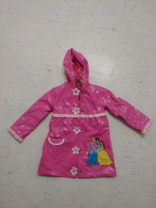 Toddler 4T girls raincoat from Disney store excellent condition