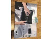 Acer ICONIA Tab W501 Laptop / Tablet