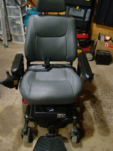 MERITS Power Wheelchair P326A Mid-Wheel Drive Moose Jaw Regina Area image 7
