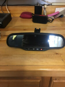 On star review mirror from 2011 GMC Sierra