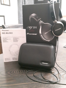 Casque d'écoute Pioneer SE-MJ591