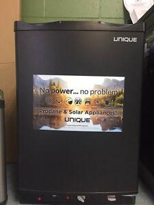 Unique 3.0CU 3-way Refrigerator (Black)
