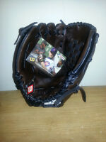 2 BRAND NEW WILSON MLB BASEBALL GLOVES ONLY 25$ EACH