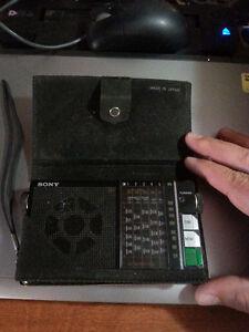vintage Sony ICR-4800 SW/MW Short Wave Radio with original case