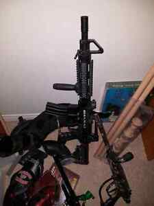 Paintball marker and accessories d