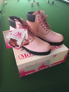 Brand New Womens Pink Moxie Work Boots