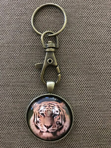 Bronze Keychain with Tiger Cat Face