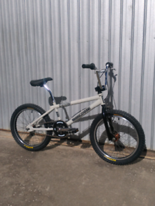 MONGOOSE Pro 04' FULL O/haul, Lg BMX Bike, Teen/Adult Bicycle.
