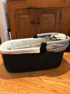 UppaBaby Bassinet - Grey - barely used, with covers - 2011 model