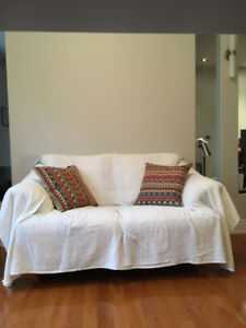 Plateau Mont-Royal, canapé et fauteuil à vendre